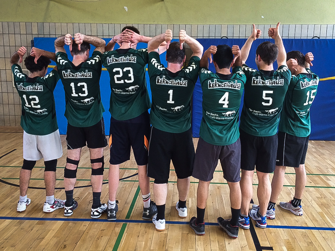 Volleyballverein Kerngehäuse gesponsort vom SenerTec Center Berlin-Brandenburg